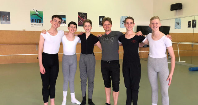 Scholarship available for a male dancer in NZSD's Scholars programme